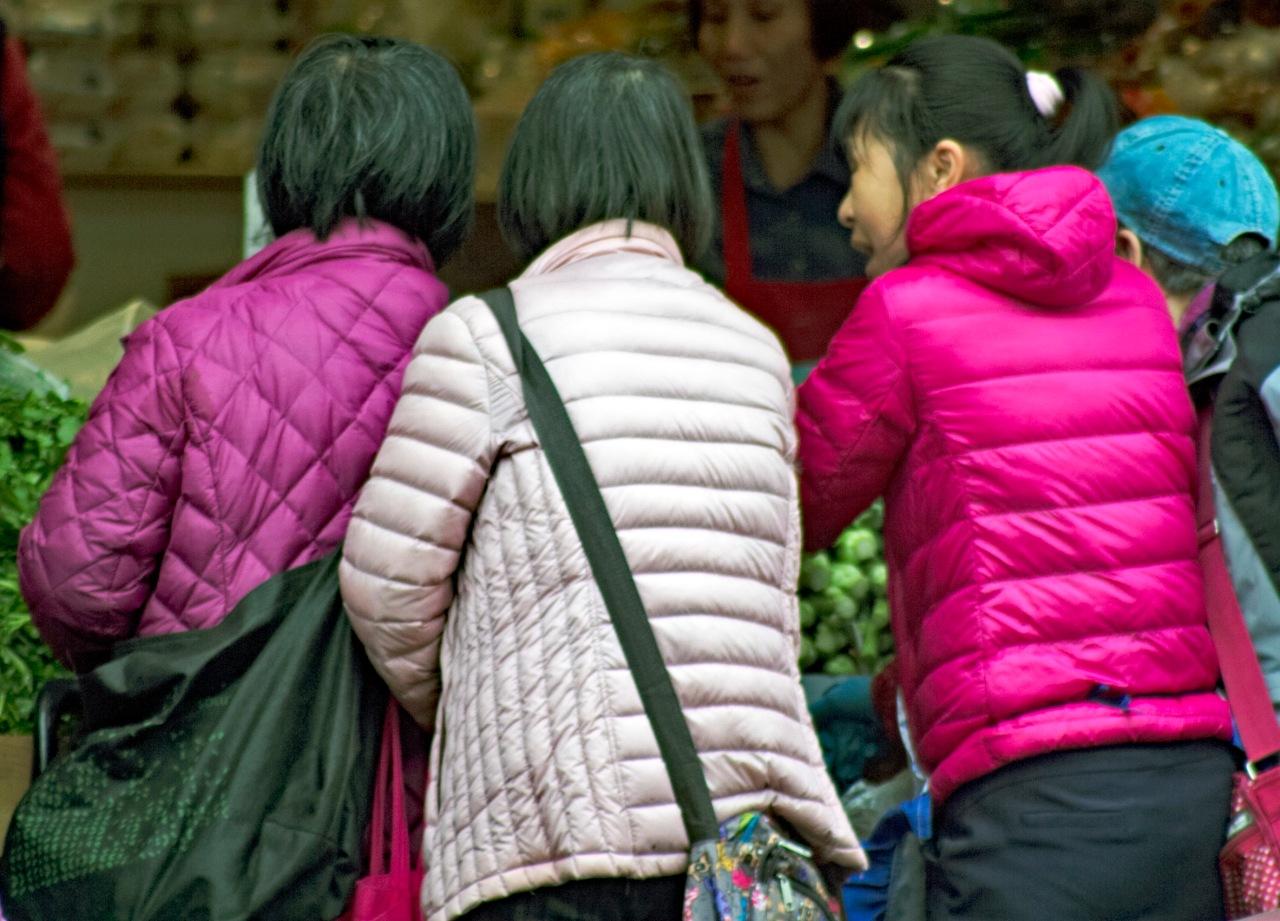 3 colorful ladies